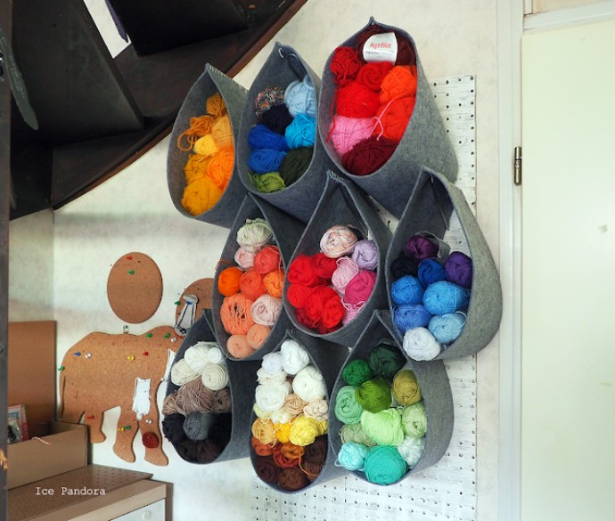 Free crochet storage ideas. Felt teardrops.