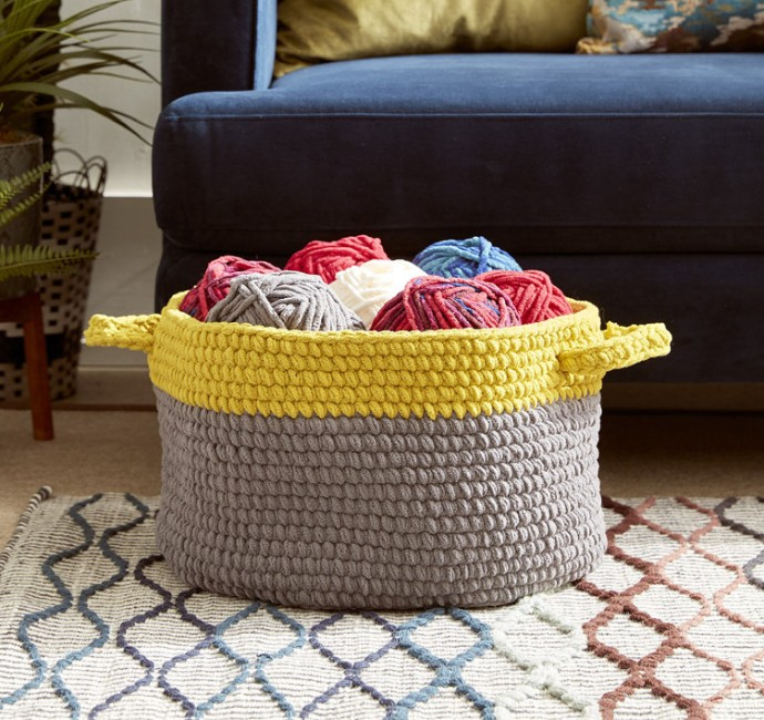 Top 10 crochet storage ideas with FREE patterns - image bernat-storage-basket-wool-free-pattern on https://knitting-crocheting-yarn.com