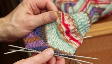 How to Tension Your Yarn when Knitting - image 1554838782_maxresdefault-384x220 on https://knitting-crocheting-yarn.com