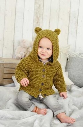 King Cole Knitting Pattern Baby Book 6 : 29 Stylish Knits From Birth To 7 Years - image 41XzgL-13WL on https://knitting-crocheting-yarn.com