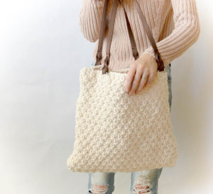 How To Knit A Backpack - image Aspen-Knit-Bag-Free-Knitting-Pattern-Easy-Purse-300x273 on https://knitting-crocheting-yarn.com