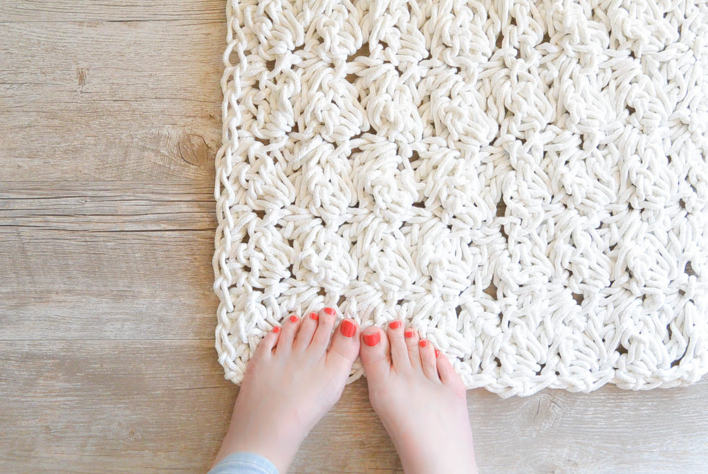 How To Crochet A Scrap Yarn Rope Bath Mat – Mama In A Stitch - image How-to-Crochet-A-Rug-with-Rope-1024x685 on https://knitting-crocheting-yarn.com
