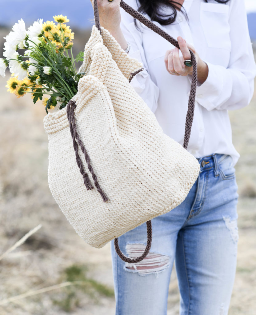 How To Knit A Backpack - image Strw-Knit-Backpack-Easy-Pattern-832x1024 on https://knitting-crocheting-yarn.com