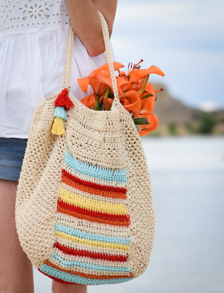 How To Crochet A Summer Circle Bag - image Big-Crochet-Summer-Bag-Pattern-10-784x1024 on https://knitting-crocheting-yarn.com