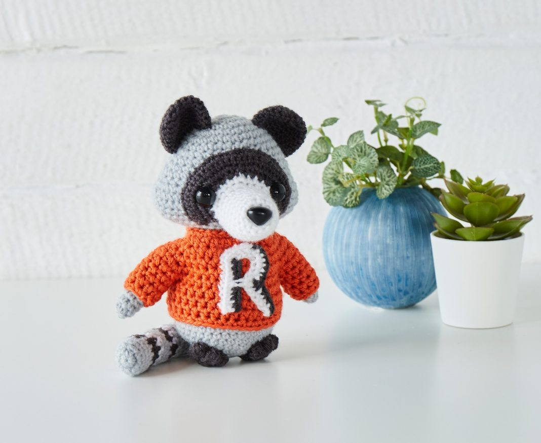 Take a look inside our new look issue! - image Irene-Strange-Rocco-the-Racoon-kit-yarn-1-e1562319324909 on https://knitting-crocheting-yarn.com