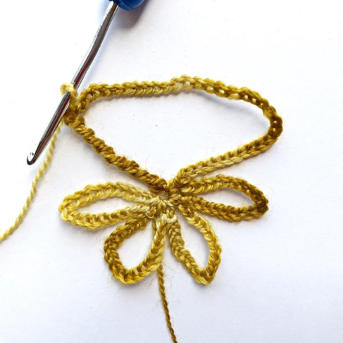Hook to Hook Designer Challenge from issue 88 - image h2h_walkthrough_03 on https://knitting-crocheting-yarn.com